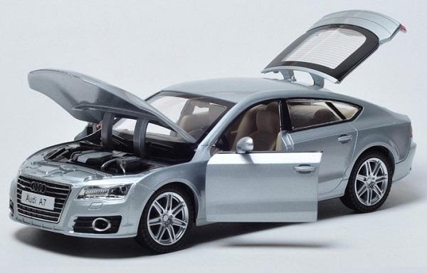 โมเดลรถเหล็ก โมเดลรถยนต์ Audi A7 เงิน 3