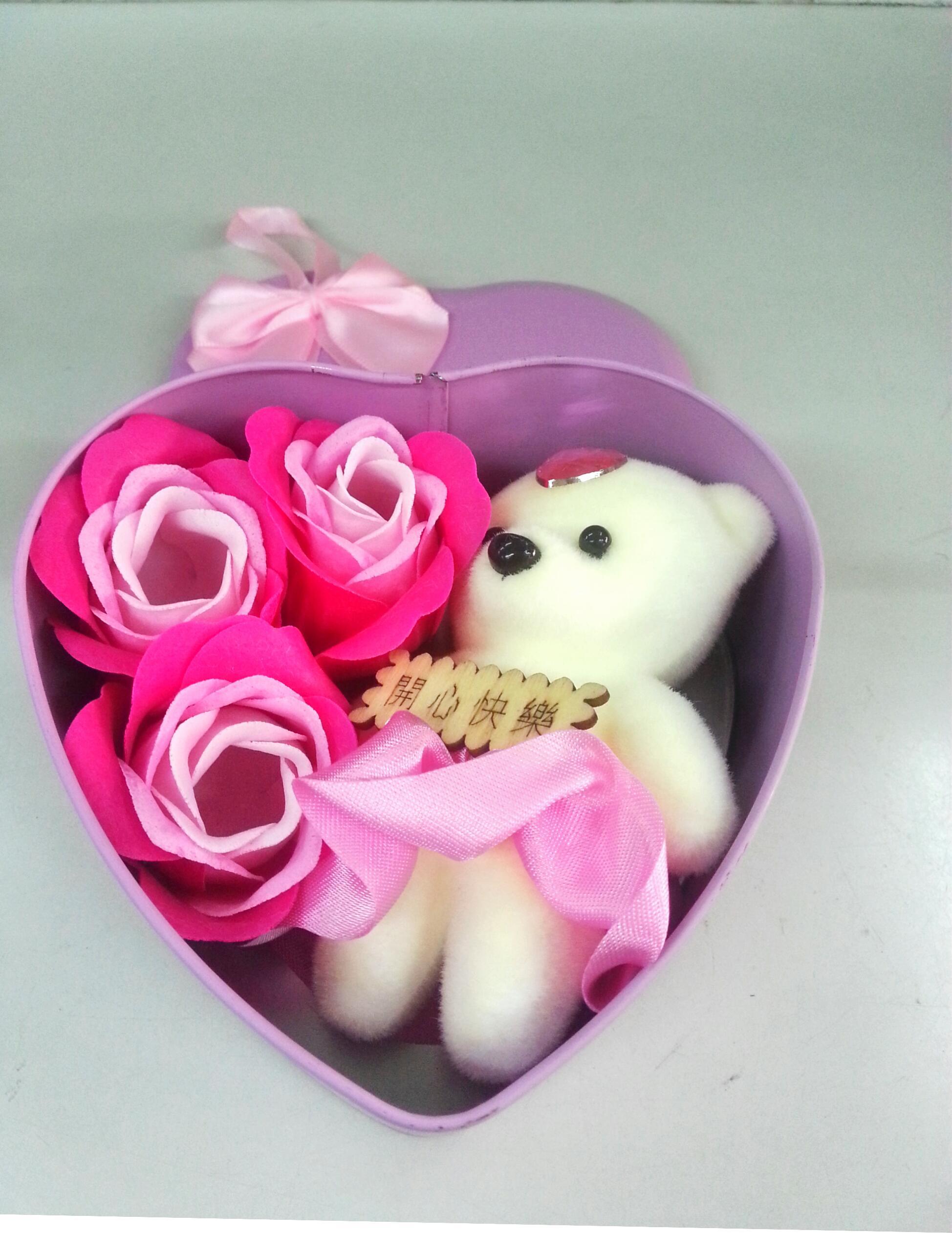 กล่องหัวใจวาเลนไทน์ หมี+ดอกกุหลาบ3ดอก(มีกลิ่นหอม) สีชมพู