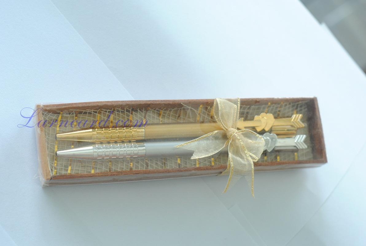 S013 ของชำร่วยปากกาในกล่องไม้