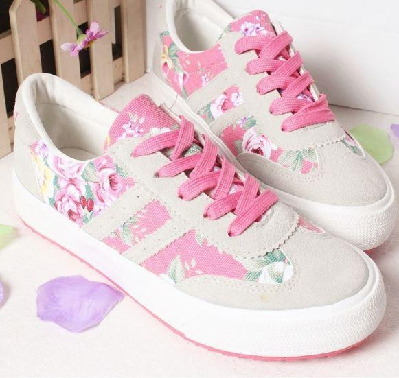 รองเท้าผ้าใบ ผู้หญิง รองเท้าหุ้มส้น แบบวัยรุ่น ใส ๆ เพ้นท์ลายดอกกุหลาบ สีชมพูเข้ม รองเท้าแนว สปอร์ต สวย ๆ 545807_1