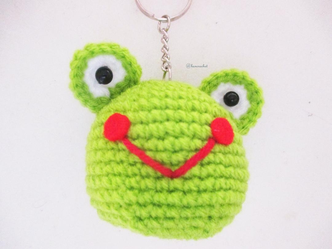 พวงกุญแจหัวตุ๊กตาเคโระ สูง 2 นิ้ว keroro amigurumi crochet keychain