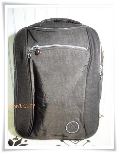 กระเป๋า notebook สะพายหลัง 3 สไตล์ สีน้ำตาลเข้ม KP011