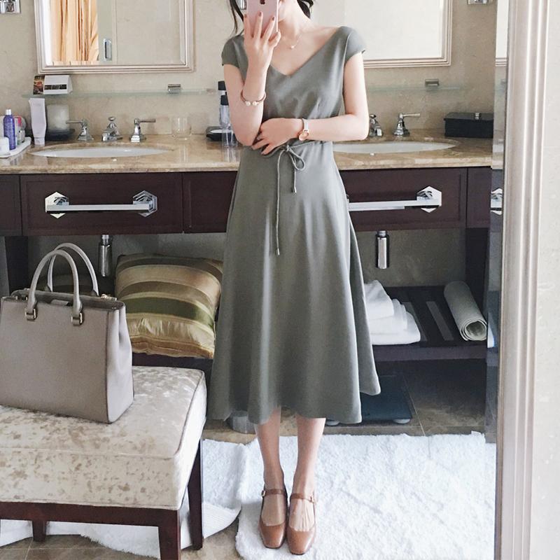 Dress4131 แม็กซี่เดรสยาวทรงสวยสีพื้นเขียวมิ้นท์ มีสายผูกเอว ซิปข้าง ซับในอย่างดี ผ้าชีฟองทึบแสงเนื้อดีมีน้ำหนักทิ้งตัวสวย งานดีสวยเรียบหรู มีติดตู้ไว้ใส่ได้เรื่อยๆ