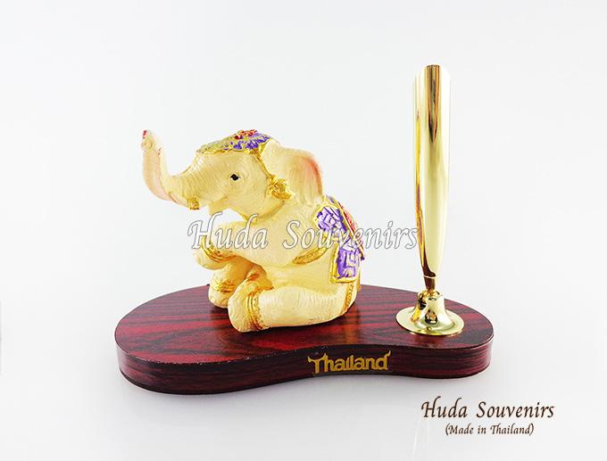 ของที่ระลึก ช้างทรงเครื่องเรซิ่น ที่เสียบปากกา รูปช้างนั่ง สินค้าพร้อมส่ง