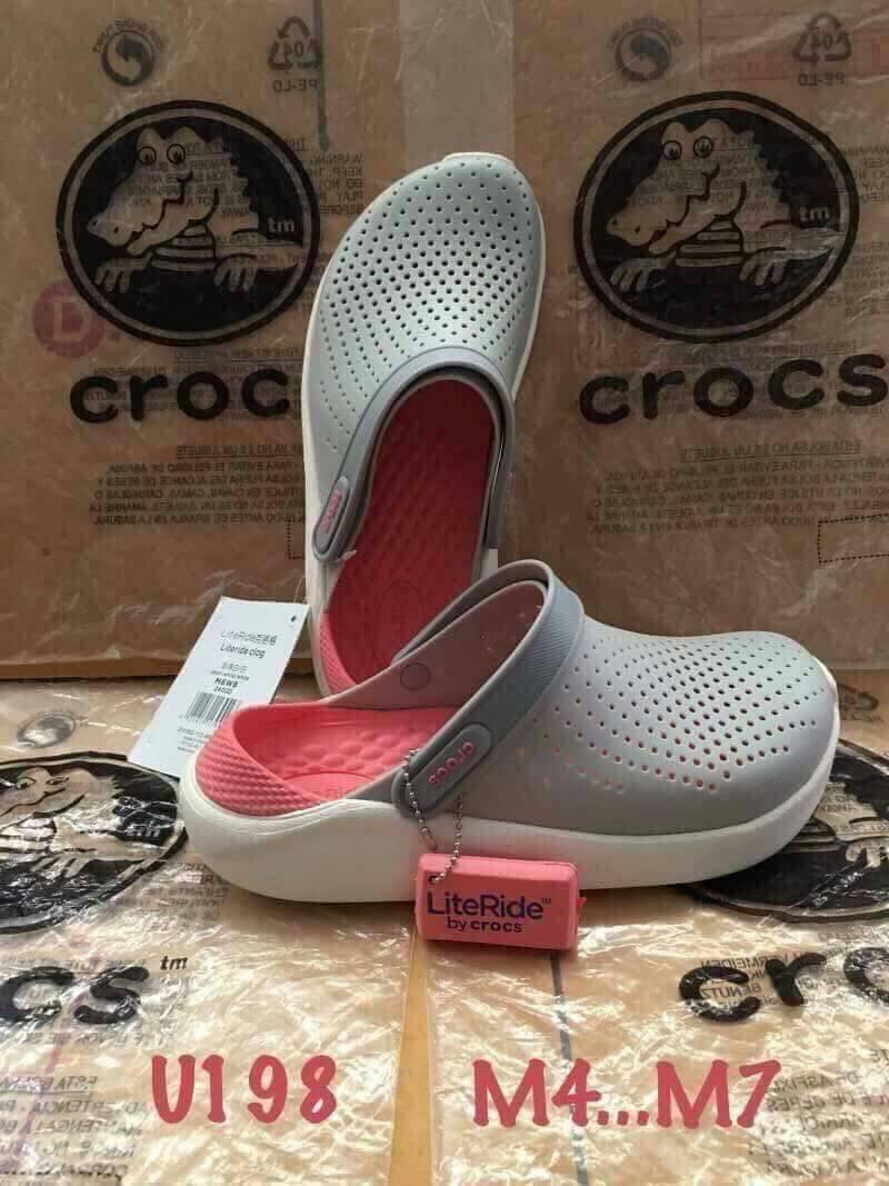 รองเท้า Crocs รุ่น LiteRide สีเทาพื้นส้มชมพู