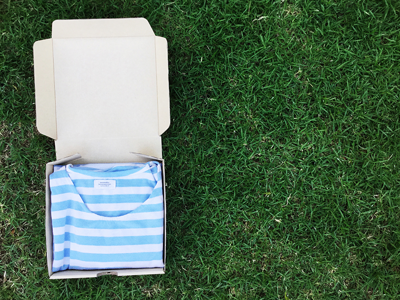 C003 กล่องลูกฟูก ขนาด 17.5*17.5*4 ซม. (20 ใบ)