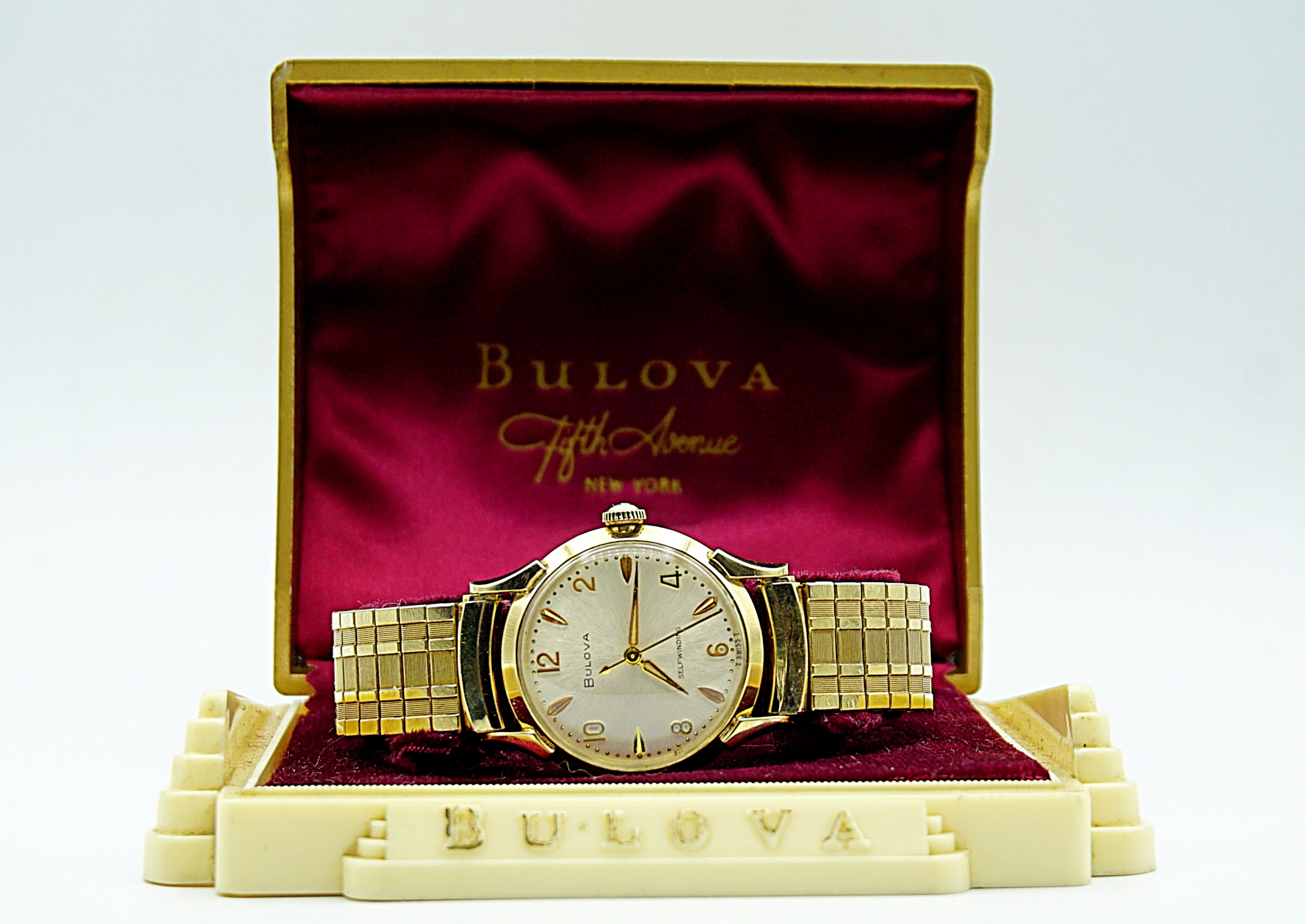 นาฬิกาเก่า BULOVA ออโตเมติก พร้อมกล่องและใบรับประกัน