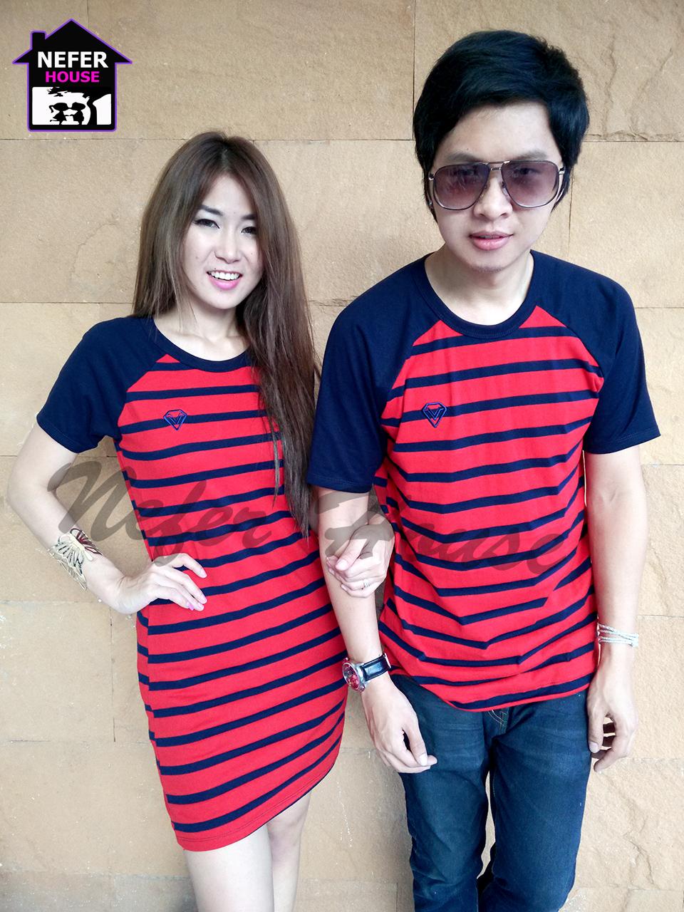เสื้อคู่รักพร้อมส่ง ชุดผ้ายืดแดงริ้วน้ำเงิน