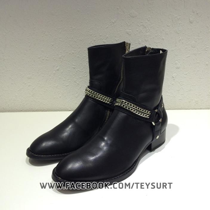 รองเท้าบูทSaint Laurent Chain Wyatt Boots In Black