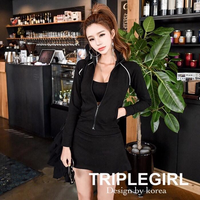 เสื้อผ้าเกาหลีพร้อมส่ง Set 3 ชิ้น เสื้อแขนยาว+ กระโปรงสั้น+เกาะอกสีดำ