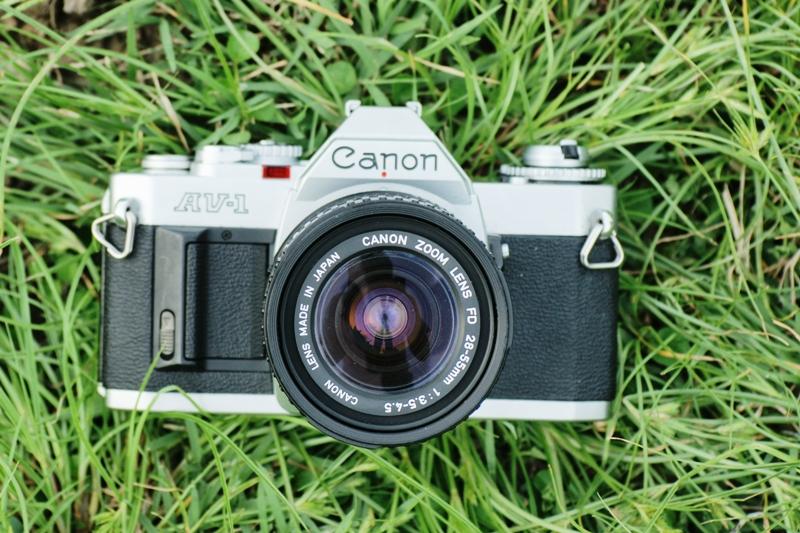 Canon AV-1 Canon Zoom Lens FD 28-55mm.F3.5-4.5 Macro