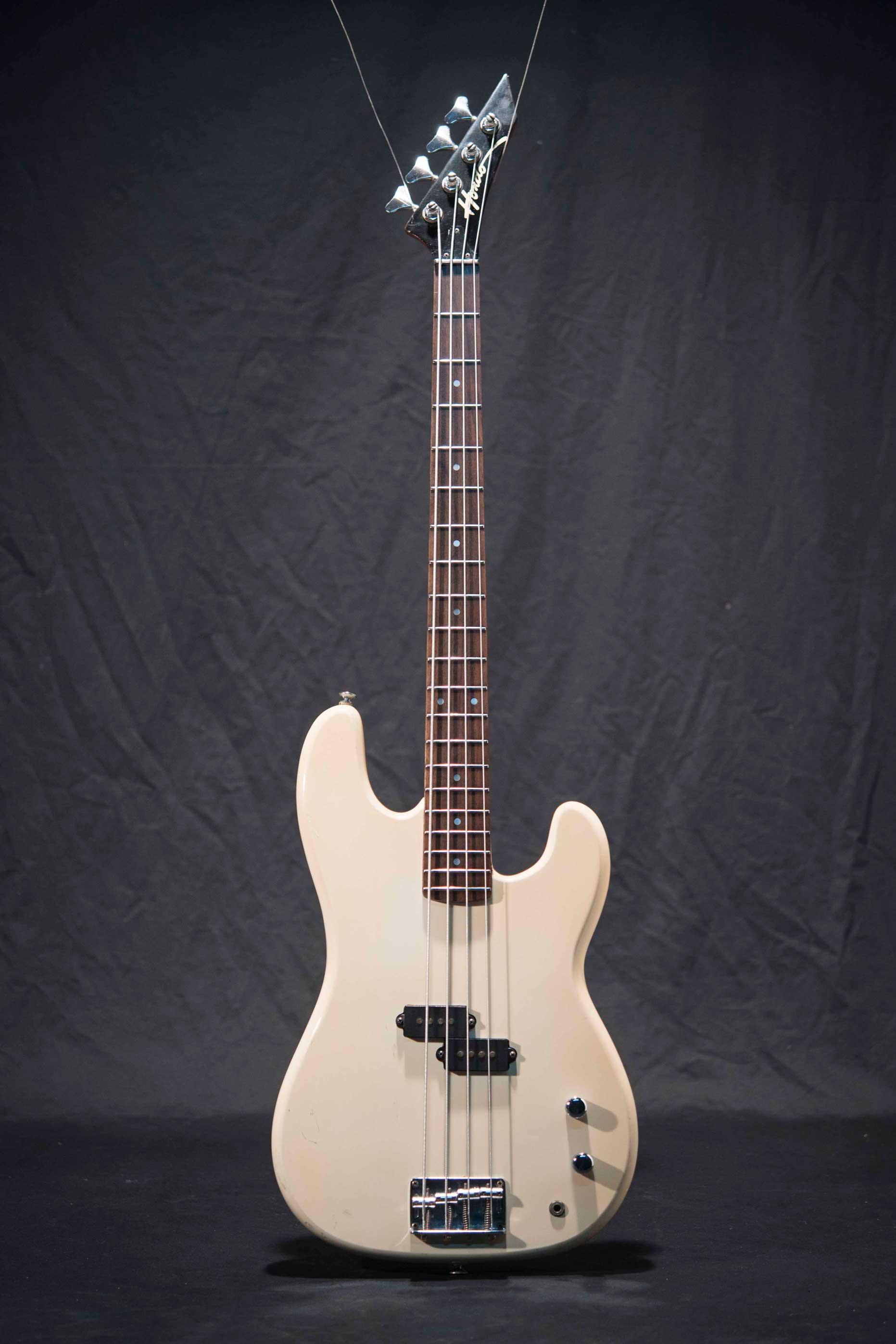 กีต้าร์เบสไฟฟ้ามือสอง Hondo Bass