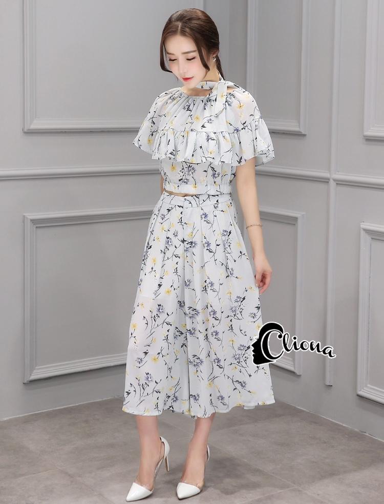 เสื้อผ้าเกาหลี พร้อมส่ง Clara Shoulder Off Top + Skirt Set