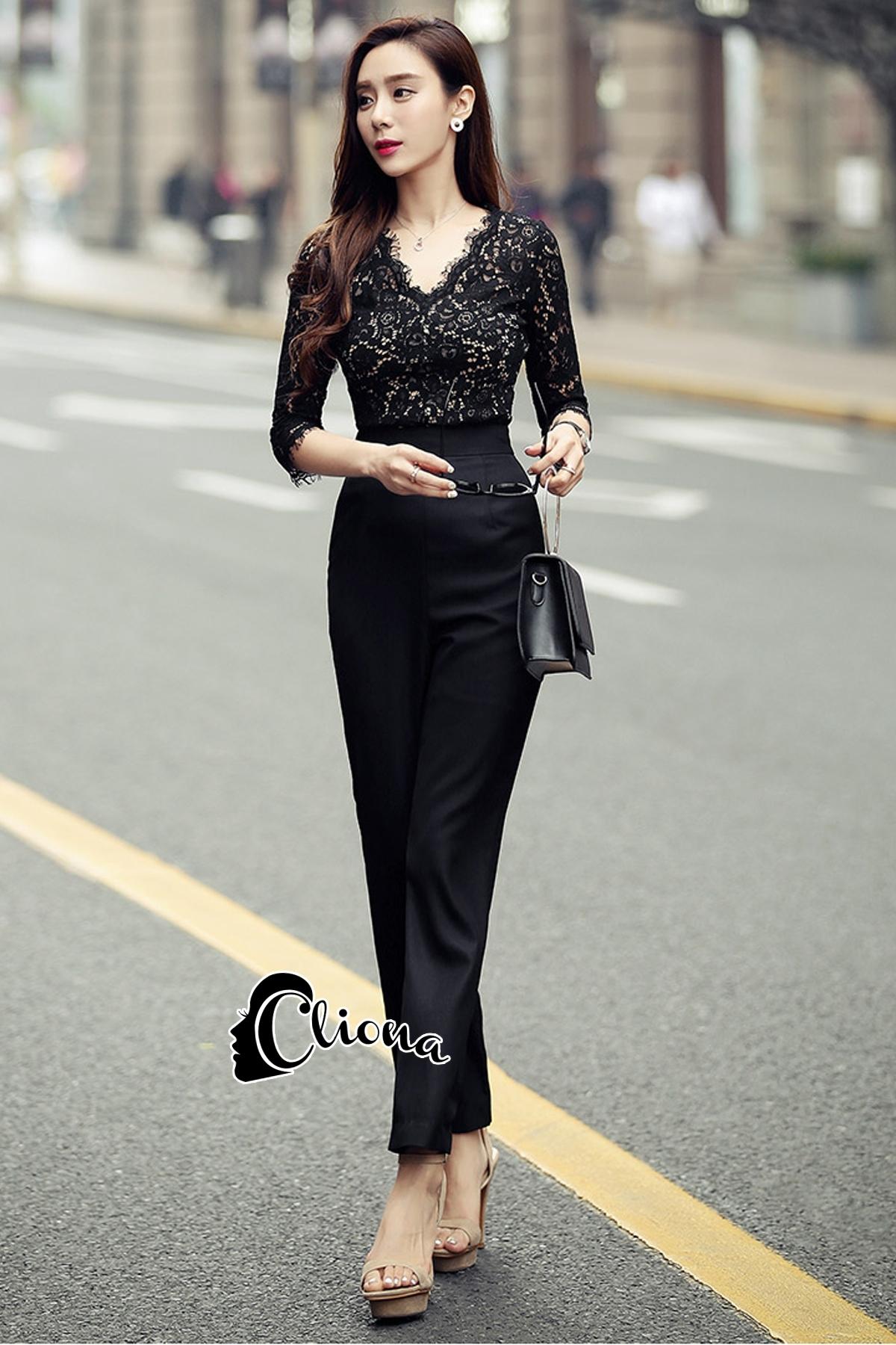 เสื้อผ้าเกาหลี พร้อมส่ง Luxury Black Lace Jumpsuite - Jumpsuite