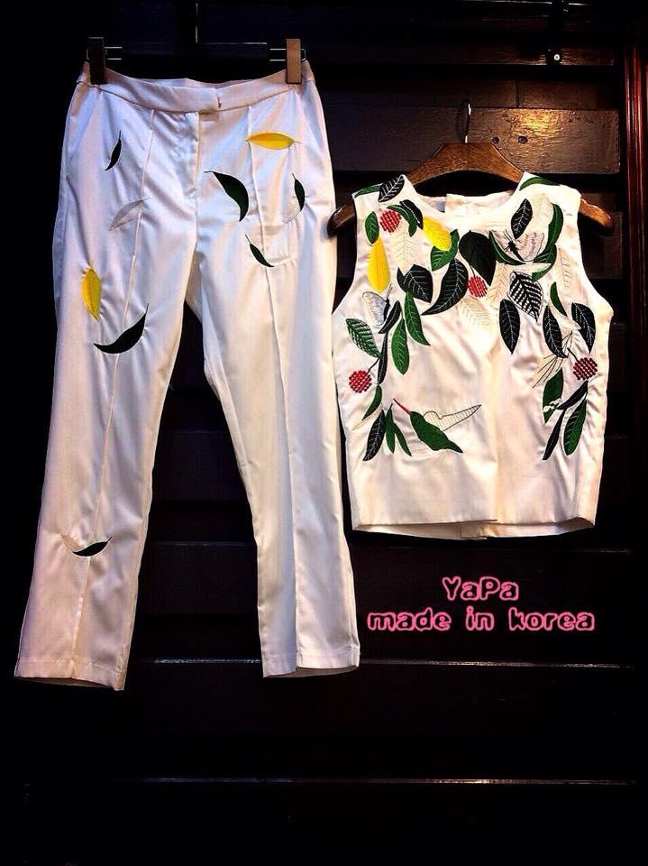 เสื้อผ้าเกาหลี พร้อมส่ง เสื้อครอป แขนเว้า กางเกงขายาวทรงสวย