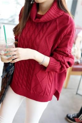 เสื้อกันหนาวไหมพรม พร้อมส่ง สีแดง คอเต่า ออกแนวตัวโคร่งๆ แขนยาว ตัวสั้น ลายลูกโซ่ น่ารักๆ ใส่กันหนาวได้ค่ะ ผ่าด้านข้าง ผ้าไหมพรมมีความยืดหยุ่นได้ อุ่นๆใส่กันหนาวได้