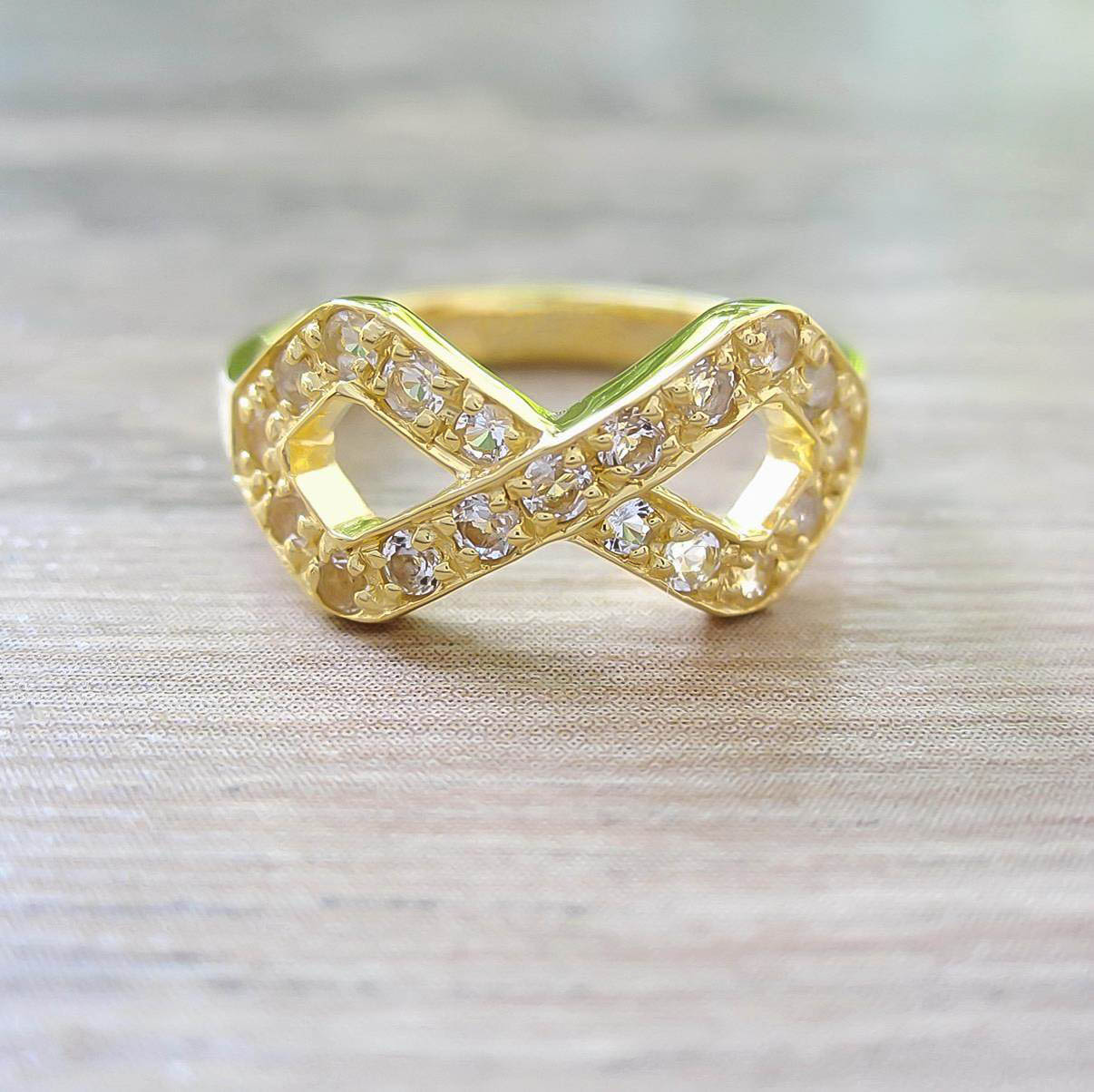 แหวน White Topaz Sterling Silver สี 18K Yellow Gold รุ่น Infinite