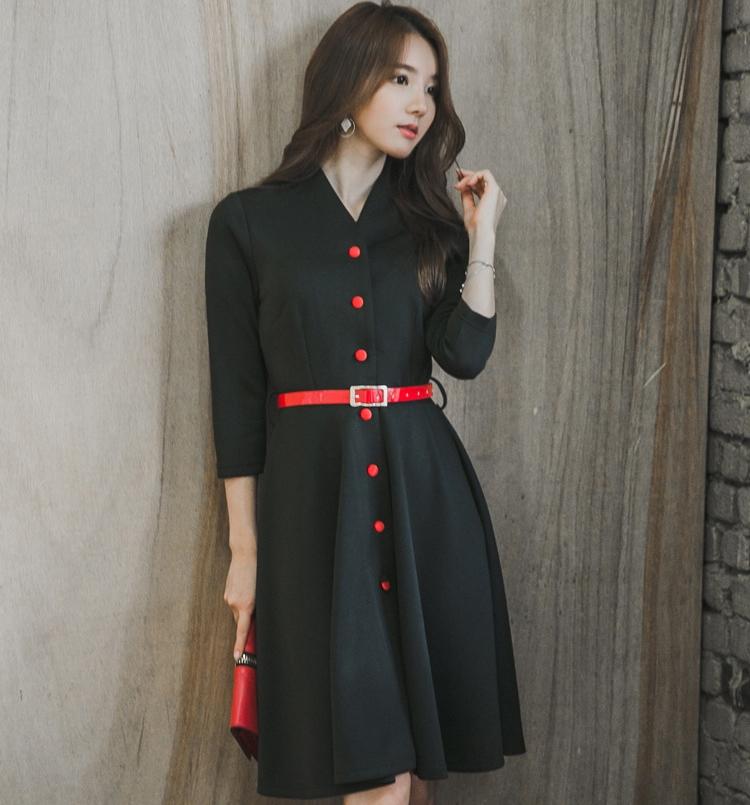 ชุดเดรสทำงานสีดำ คอวี แขนสี่ส่วน แฟชั่นชุดทำงานออฟฟิศ เรียบๆ สวย เรียบร้อย ดูดี