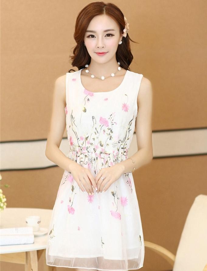 ชุดเดรสสั้นคนอ้วน เดรสไซส์ใหญ่ ( XL ) ชุดเดรสลายดอกไม้สีขาว ปักลายดอกไม้สีชมพู ชุดแซกกระโปรงสั้น คอกลม แขนกุด กระโปรงบาน