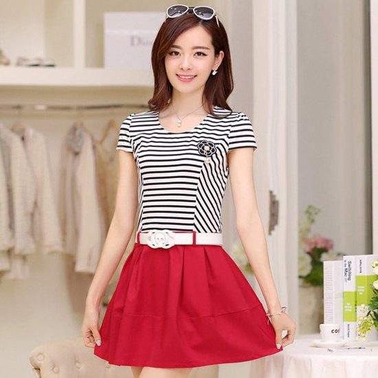 ชุดเดรสแฟชั่นเกาหลี ชุดเดรสน่ารัก ชุดเดรสราคาถูก ชุดเดรสสั้น เสื้อคอกลม แขนสั้น ลายขวาง กระโปรงบานน่ารักๆ ( M, L, XL, XXL )