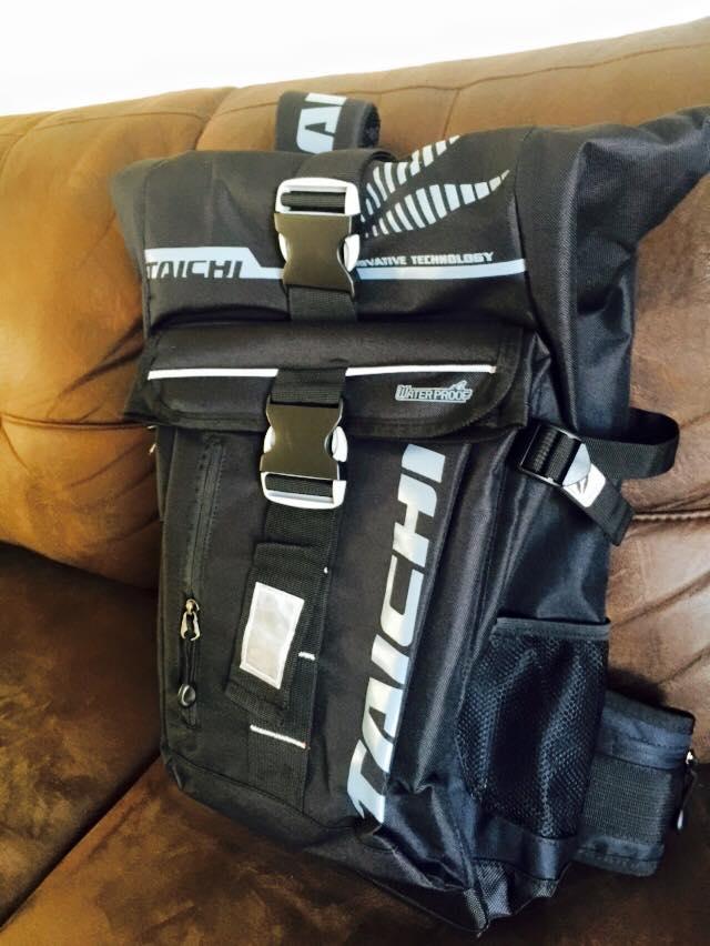 กระเป๋าเป้สะพายหลัง TAICHI 30 ลิตร สีดำ