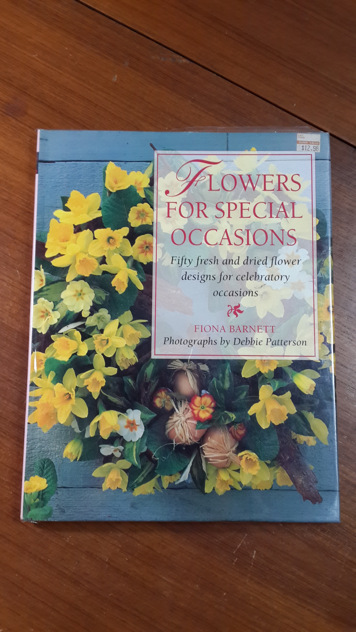 FLOWERS FOR SPECIAL OCCASIONS / FIONA BARNETT