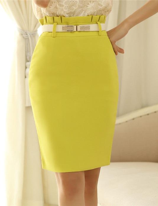 กระโปรงทำงานสีเหลืองทรงเอเข้ารูป ผ้าสเปนเด็กซ์มีซับใน เอวสูงจับจีบ ซิปหลัง น่ารัก