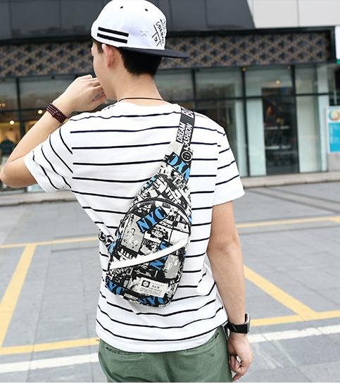 กระเป๋าคาดอก/เอว WB ลายอาร์ตขาวดำ