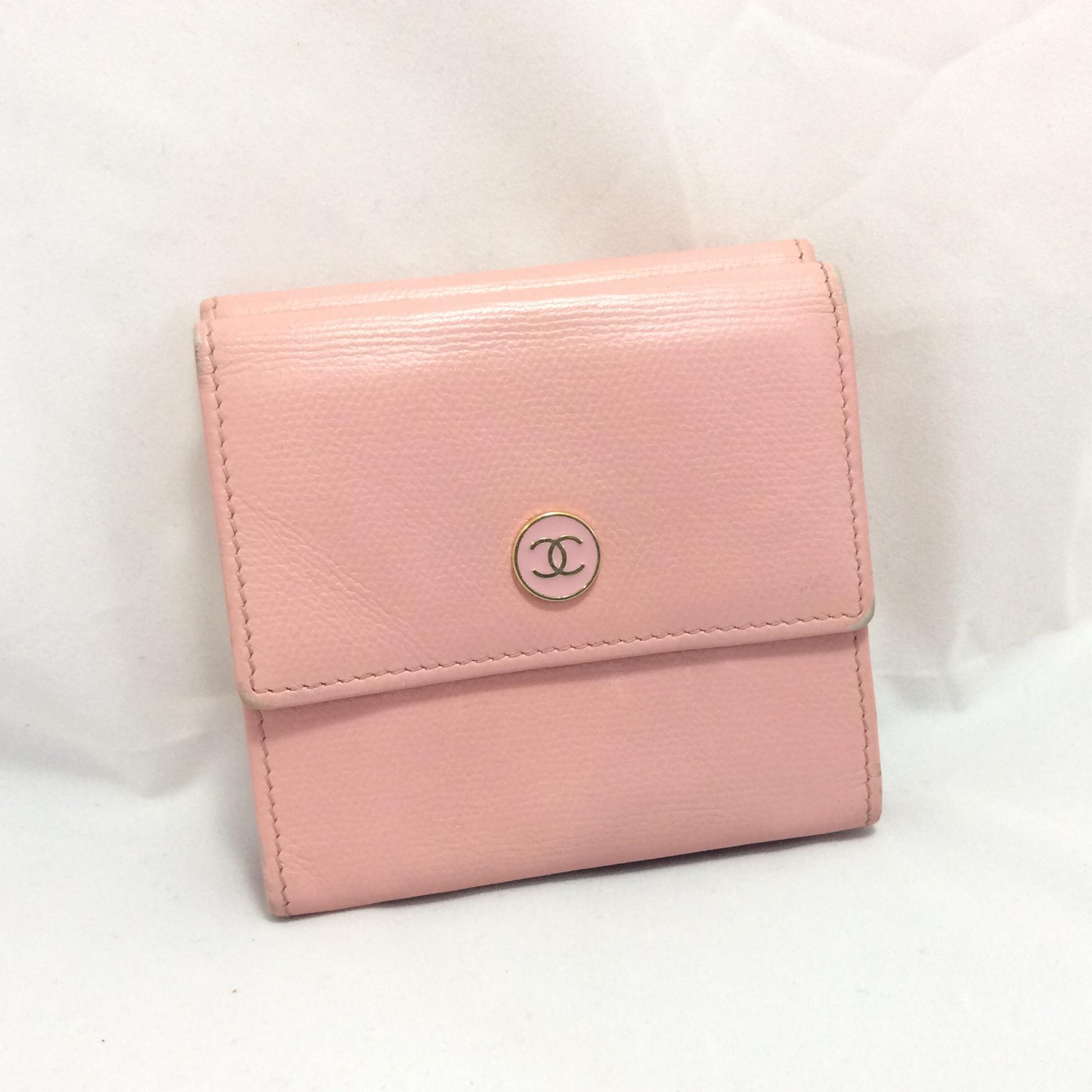 [SOLDOUT]กระเป๋าสตางค์ Chanel ใบสั้น 3 พับ รุ่นวินเทจ สีชมพูหวาน(Holo 9912399)