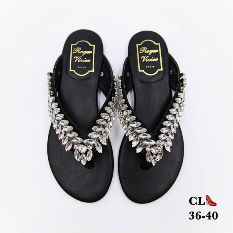 รองเท้าแตะแฟชั่น แบบหนีบ แต่งเพชรคริสตัลสวยหรูมาก สไตล์ roger vivier หนังนิ่ม ทรงสวย ใส่สบาย แมทสวยได้ทุกชุด