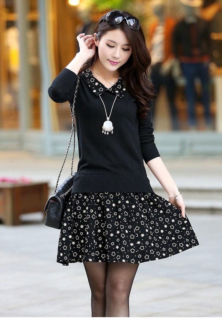[พรีออเดอร์] ชุดเดรสผู้หญิงแฟชั่นเกาหลีใหม่สีดำ แขนยาว คอเสื้อลายดาว กระโปรงลายดอกไม้ แบบเก๋ เท่ห์ - [Preorder] New Korean Fashion Slim Stars Collar Short-sleeved Dress with Stars Skirt