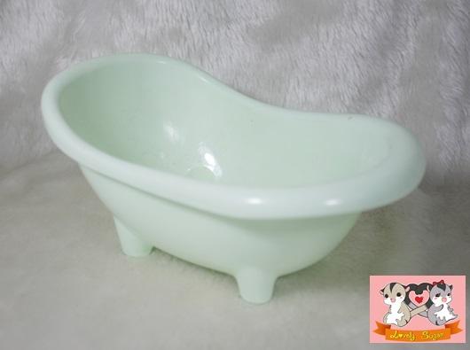 อ่างอาบน้ำ เขียว