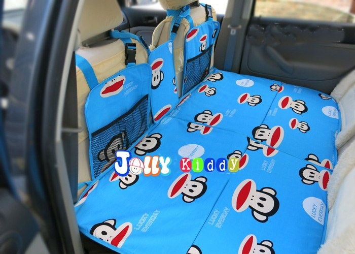 แผ่นปูปิดช่องวางเท้าเบาะหลังรถ กันเด็กตก ลายPaul Frank พื้นสีฟ้า ขนาด 134 x 75 รหัสA10100