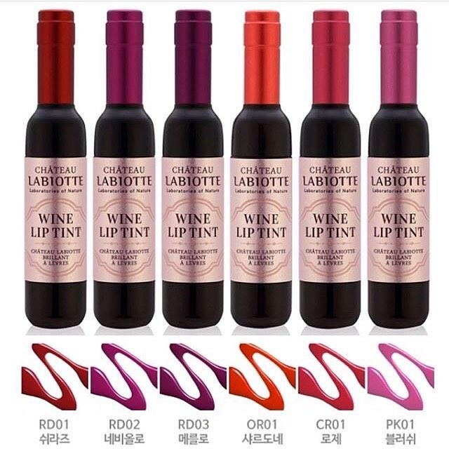 Wine Lip Tint ลิปทิ้นท์ขวดไวน์ ดีไซน์หรู สีติดทนนาน พร้อมบำรุงริมฝีปากให้ชุ่มชื่นด้วยสารสกัดจากไวน์ (ยกกล่อง 6 สี)