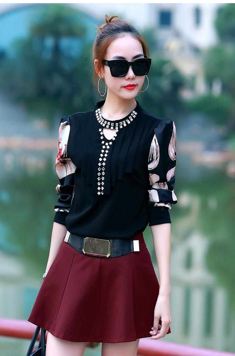 เสื้อใส่เที่ยว เมืองนอก เมืองหนาวๆ เย็นค่ะ แขนยาวประดับเพชร สีดำ