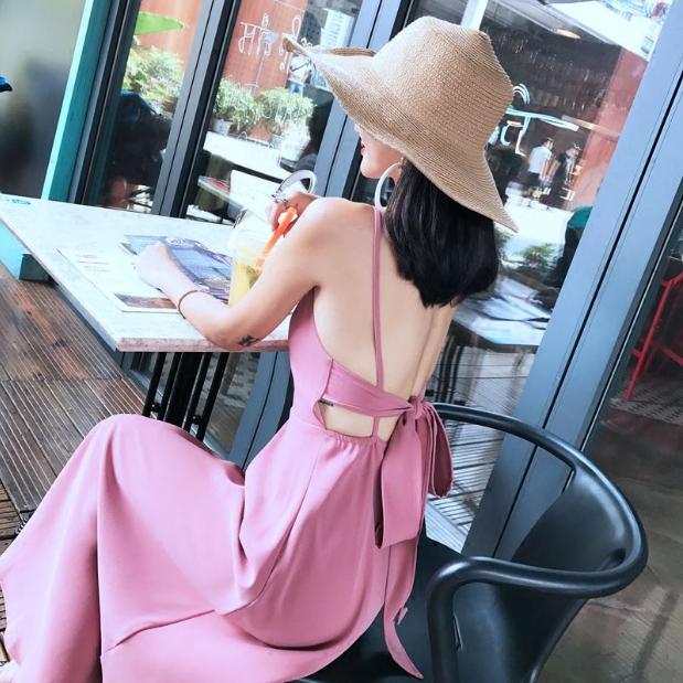 [พร้อมส่ง] เดรสสายเดี่ยว สีชมพู กระโปรงยาวพริ้วสวย ผูกโบว์ด้านหลัง ทรงสวยสไตล์โบฮีเมียน