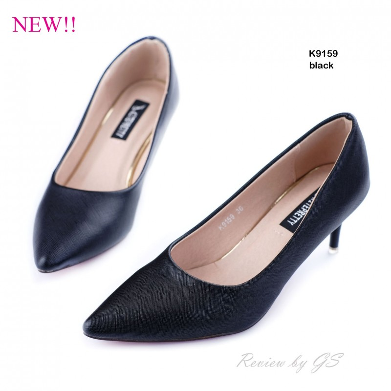 รองเท้าคัทชูทรงเรียบ (สีดำ)