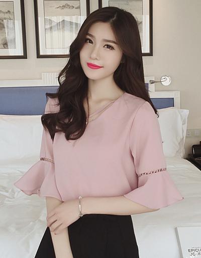 เสื้อแฟชั่นคคอวี แต่งสายใส่มุกที่คอสวยเก๋สไตล์เกาหลี-1603-สีชมพู