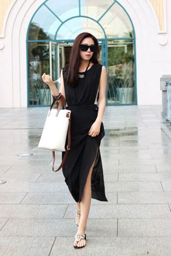 ชุดเดรสยาว ผ้าชีฟอง แขนกุด คอกลม สีดำ