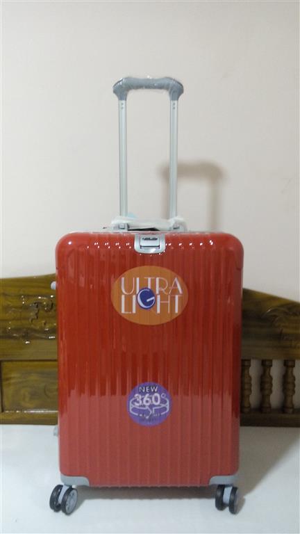 กระเป๋าเดินทาง 20 นิ้ว ขอบอลูมิเนียม