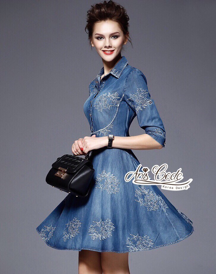 vintage high-end embroidery denim short sleeve dress by Aris Code