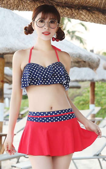 ชุดว่ายน้ำทูพีชพร้อมส่ง :ชุดว่ายน้ำแฟชั่นทูพีชสีแดงน้ำเงิน แต่งลายผ้ามีกางเกง สีสดใสน่ารักมากๆจ้า:อก28-36นิ้ว เอว24-32นิ้ว สะโพก24-34นิ้วจ้า