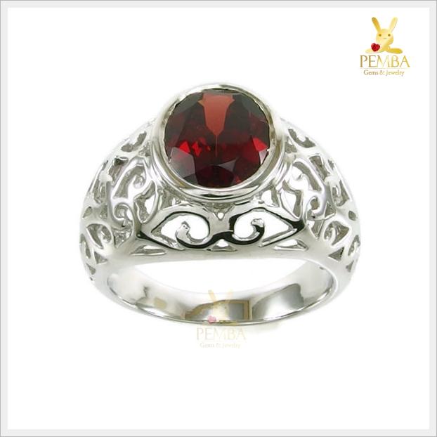 แหวนโกเมนแท้ ฉลุลายอย่างสวยงาม ใส่เสริมอำนาจบารมี
