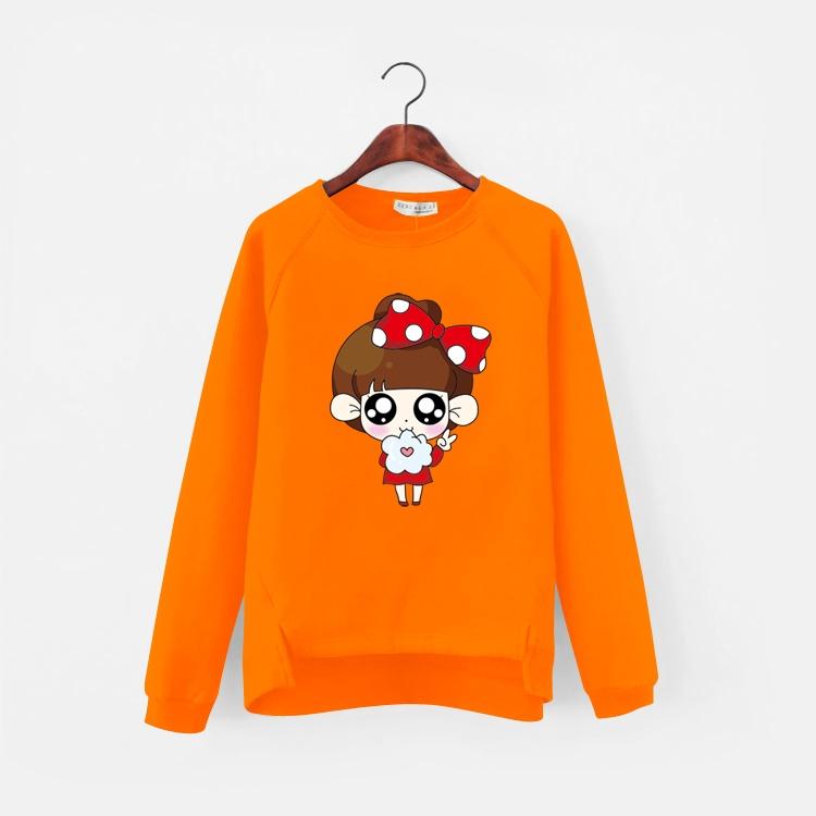 เสื้อแฟชั่น คอกลม แขนยาว บุกันหนาว ลายเด็กผูกโบว์แดง สีส้ม