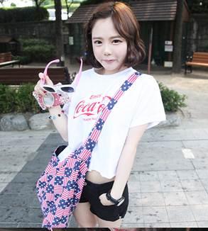 (SALE) T-shirt ลาย coca cola สีขาว