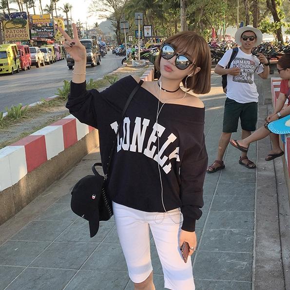 (ภาพจริง) เสื้อแฟชั่น แขนยาว คอวี ลาย LONELYสีดำ