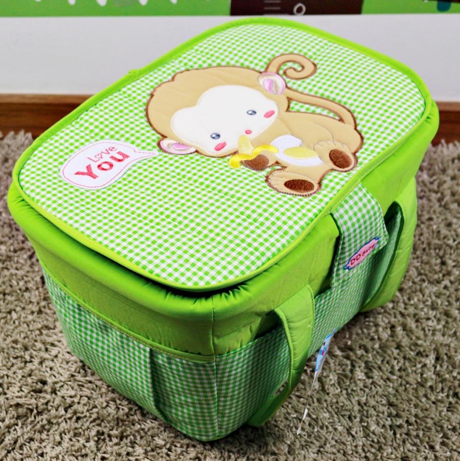 กระเป๋าถือใส่สัมภาระเด็ก (ลายลิง) สีเขียว ขนาดใหญ่ 35x45x27cm. มีฝาปิด