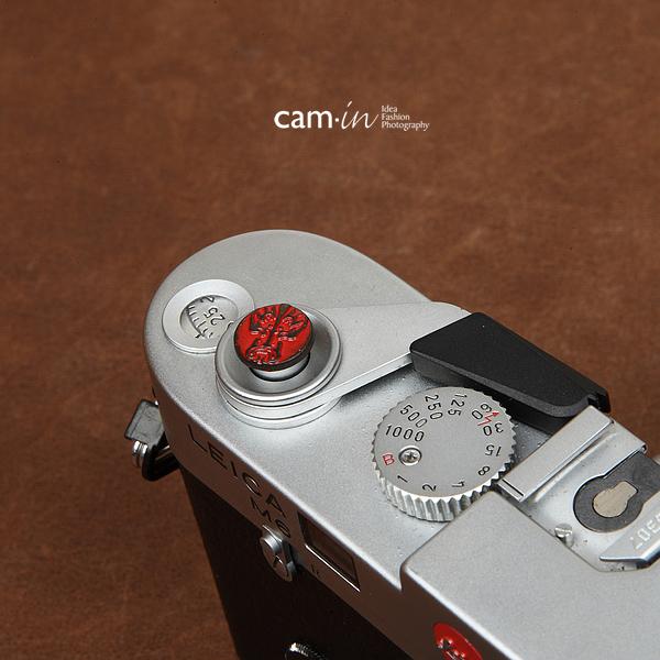 Soft Shutter Release Button รุ่น 10 mm ลายเท่ห์ๆโชกุน สีแดง ใช้กับ Fuji XT20 XT10 XT2 XE2 X20 X100 XE1 Leica ฯลฯ