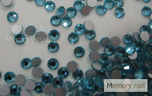 เพชรชวาAA สีฟ้า ขนาด ss8 ซองเล็ก บรรจุประมาณ 80-100 เม็ด