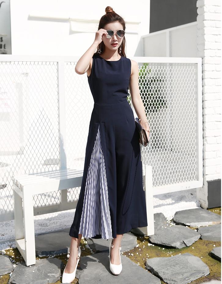 จั๊มสูทกางเกงขายาวสีกรมท่า แนวสวยเท่ ดูดี สไตล์เกาหลี